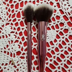 High end brush sets
